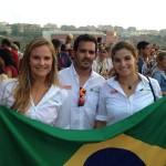 Kahena Kunze e Martine Grael com o técnico Javier Torres