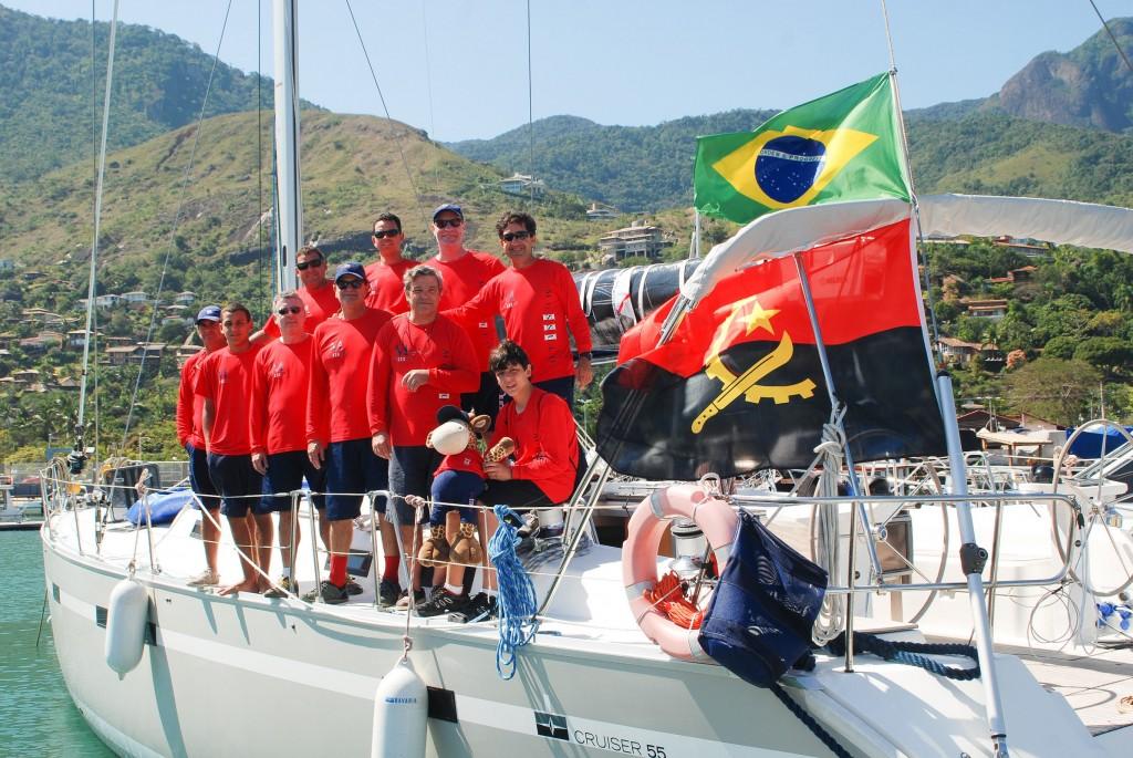 Comandante José Guilherme e tripulação do Mussulo III