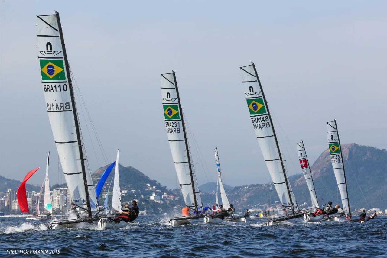 A flotilha de Nacra 17 do Brasil, no registro de Fred Hoffmann