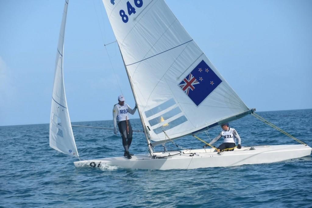 Ao lado do neozelandês Hamish Pepper, o paulista Bruno Prada venceu a terceira regata desta quarta-feira
