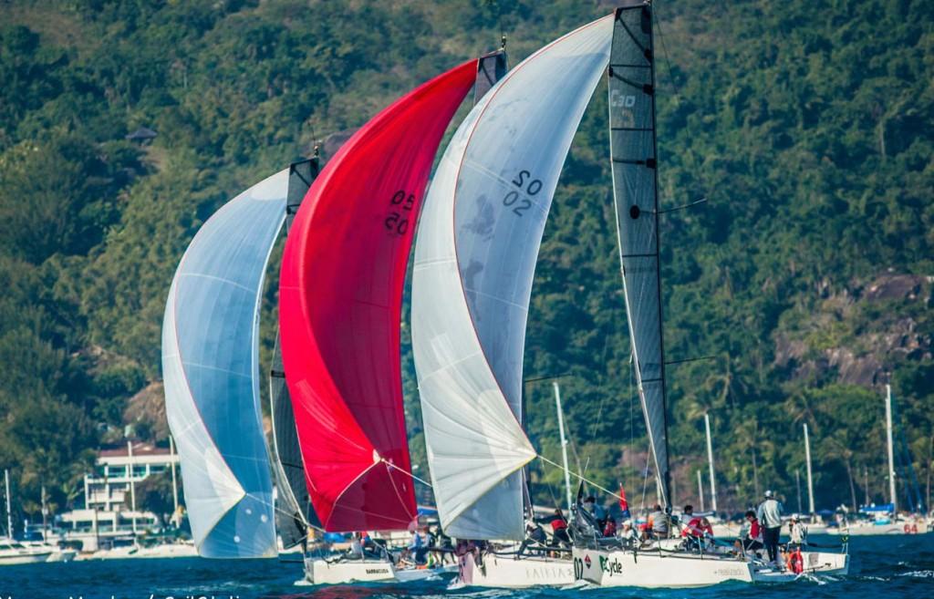 Equilíbrio na C30 em Ilhabela (Marcos Méndez / SailStation)