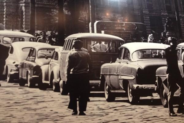 Centro de São Paulo nos anos 60: era do automóvel