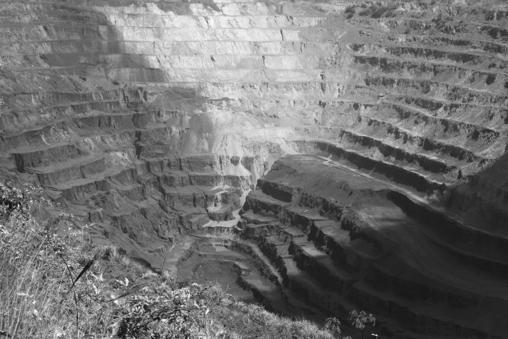 Mina de ferro a céu aberto na Flona Carajás