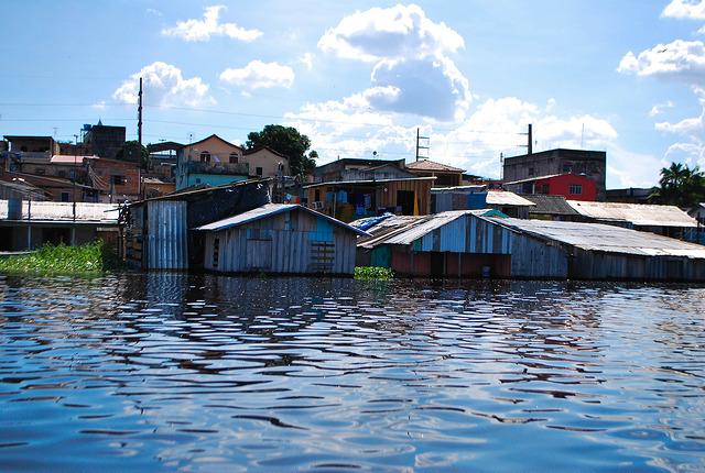 Na cheia histórica de 2012, Rio Negro ficou 71 dias acima do nível de alerta em Manaus. Foto: Fora do Eixo