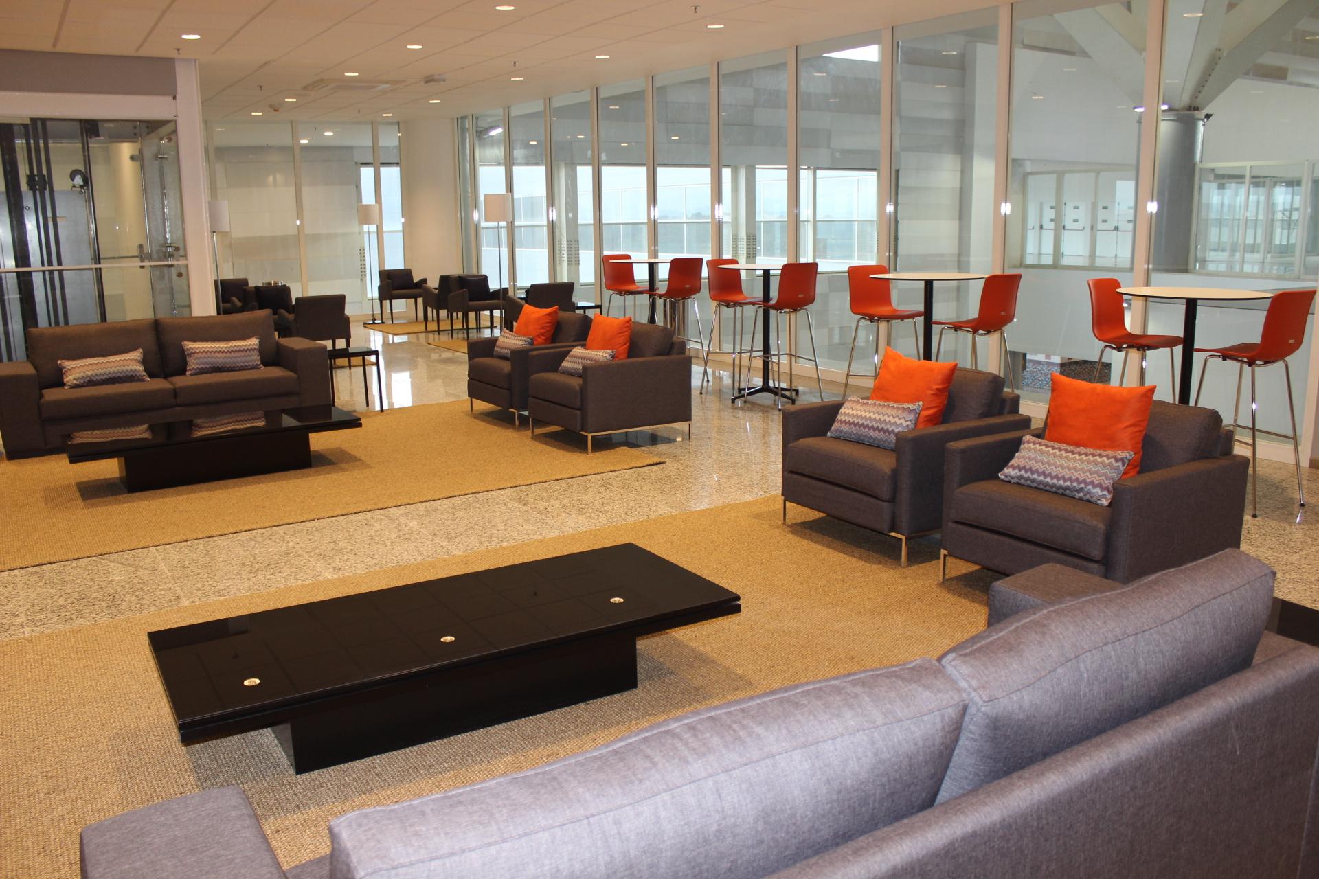 viracopos ganha sala vip no embarque internacional acesso. Black Bedroom Furniture Sets. Home Design Ideas