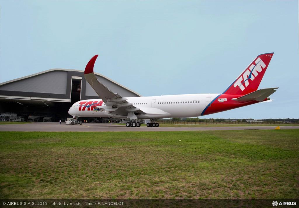 Airbus A350 XWB com cores da TAM (Divulgação)