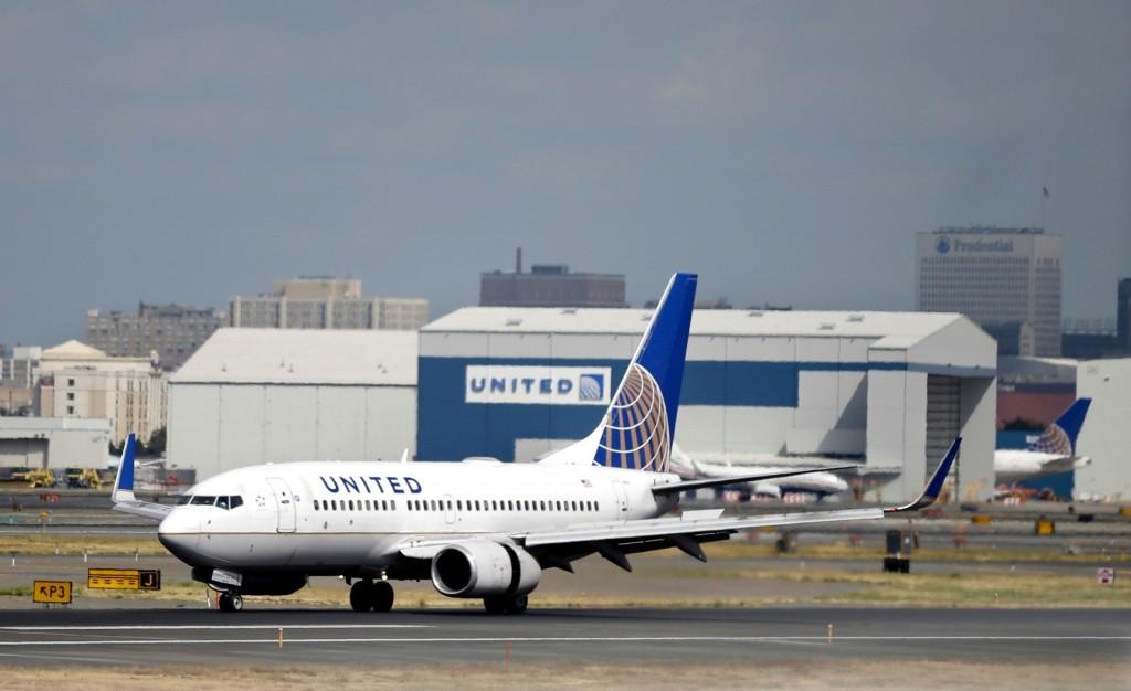 Avião da United Airlines (Foto: Mel Evans/AP)