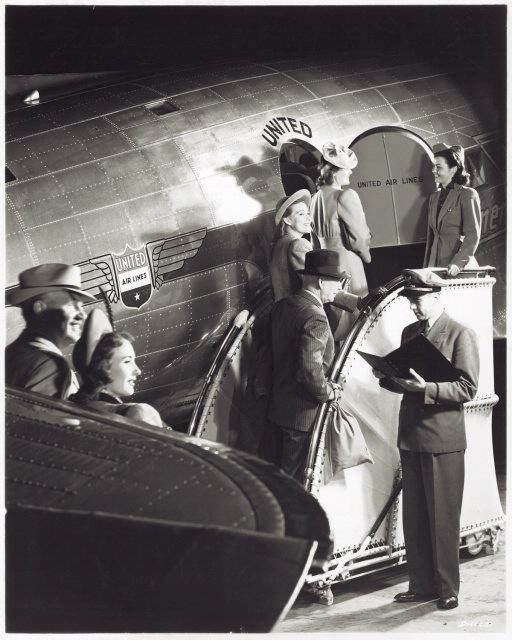 Viagens de avião em 1930 eram caras, barulhentas e longas. Créditos: National Air and Space Museum Archives
