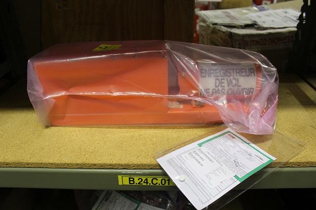 Caixa-preta, que é pintada de laranja, custa cerca de R$ 60 mil. Foto: Vinícius Casagrande/UOL