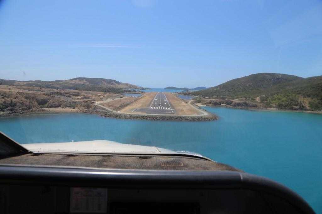 Pouso no aeroporto da Ilha Hamilton, na Austrália