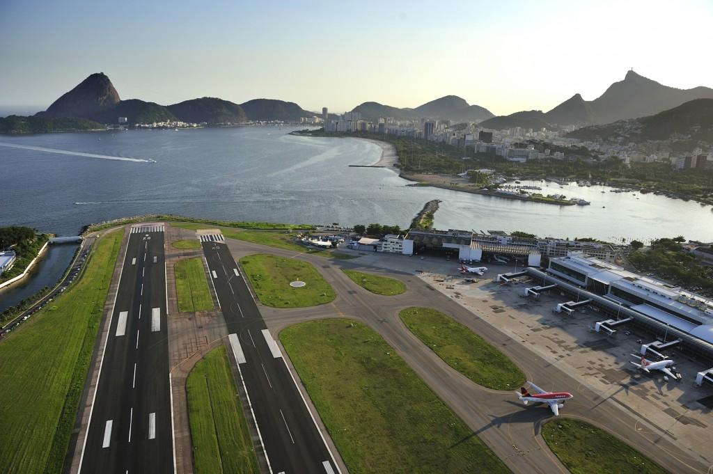 Pista do aeroporto Santos Dummont, no Rio de Janeiro (Foto: dolphin photo/Getty Images)