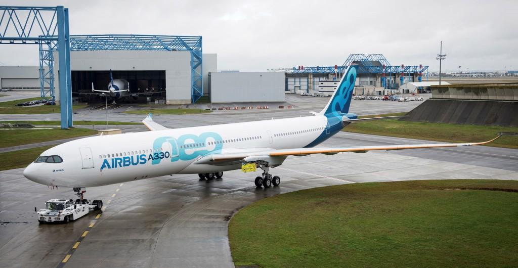 O primeiro A330neo foi apresentado ainda sem os motores (Foto: Divulgação)