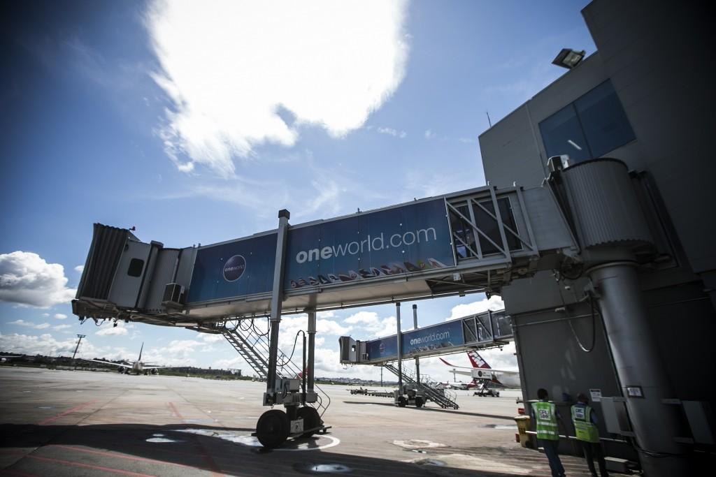 Serão utilizados dois túneis para o embarque dos passageiros (Foto: Lucas Lima/UOL)
