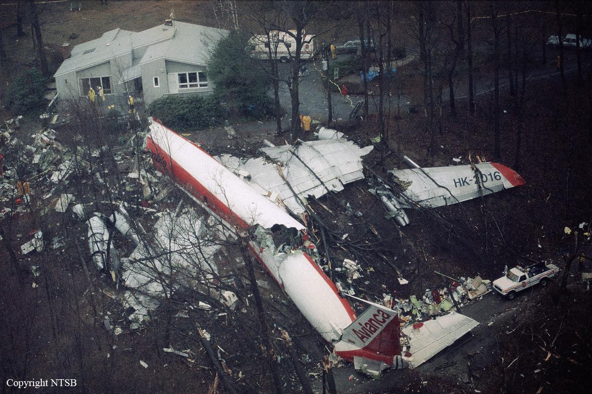 - 02 Voo Avianca 52 CrashAVA052 - Veja o que as tragédias aéreas ensinaram para aumentar segurança dos aviões
