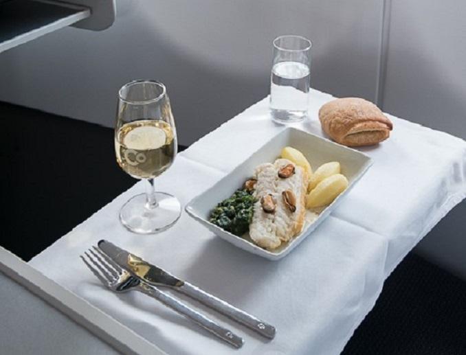 - menu 11 - Aérea só tem poltrona executiva, serve champanhe e cobra metade do preço