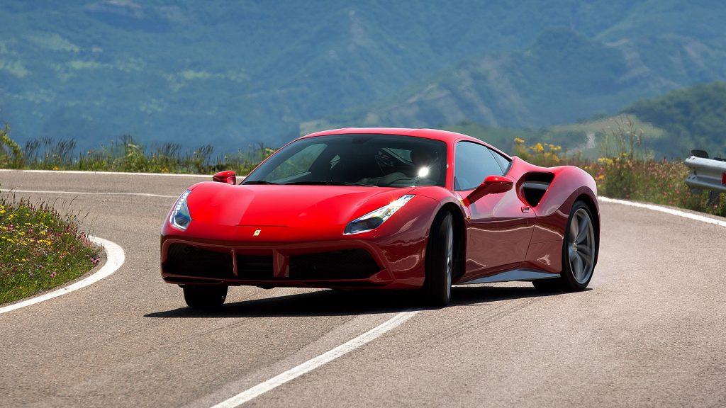 88ea5df2c2d Ferrari lucra R  310 mil por carro vendido  Bentley perde mais de R  76 mil
