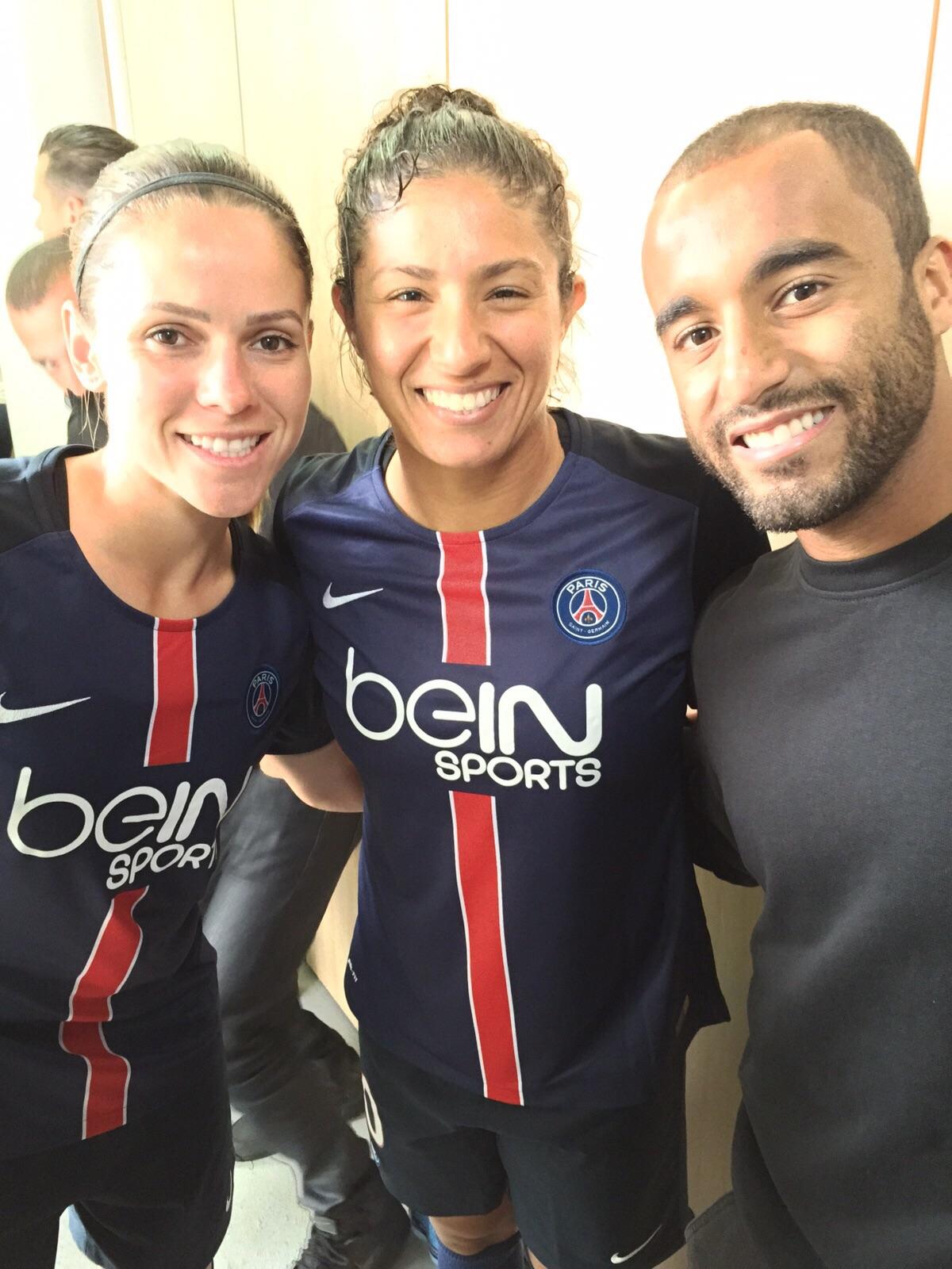 Lucas postou foto com Érika e Cristiane antes do jogo do PSG feminino