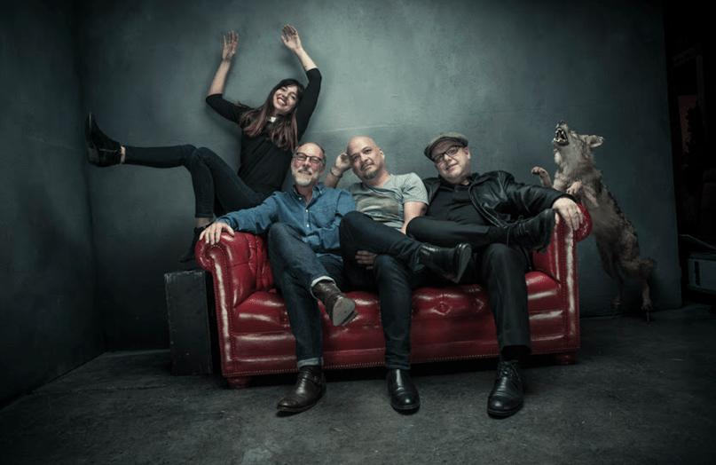 A atual formação dos Pixies: Paz Lenchantin, David Lovering, Joey Santiago e Frank Black