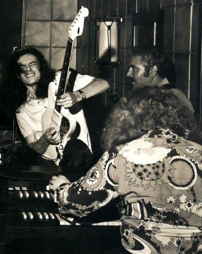 Lanny, na boate Stardust, tocando com Hermeto Pascoal (de costas) (Divulgação)