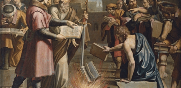Rodrigo Casarin | Terra plana e outras formas de queimar livros