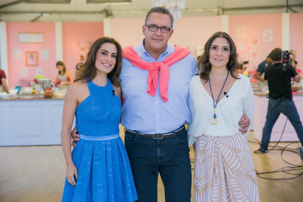 A apresentadora Ticiana Villas Boas ao lado dos jurados Fabrizio Fasano Jr e Carolina Fiorentino no programa de estreia.
