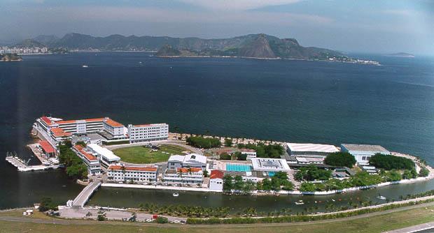 Atual sede da Escola Naval já foi palco de batalha com franceses em 1560 (Crédito:Divulgação)