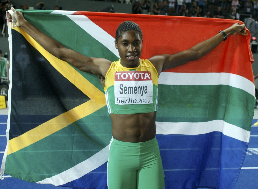 Caster Semenya of South Africa celebrates after winning the women ´s 800 metres final during the world athletics championships at the Olympic stadium in Berlin August 19, 2009. REUTERS/Dominic Ebenbichler (GERMANY SPORT ATHLETICS. (Foto: DOMINIC EBENBICHLER/SCANPIX DANMARK 2009)
