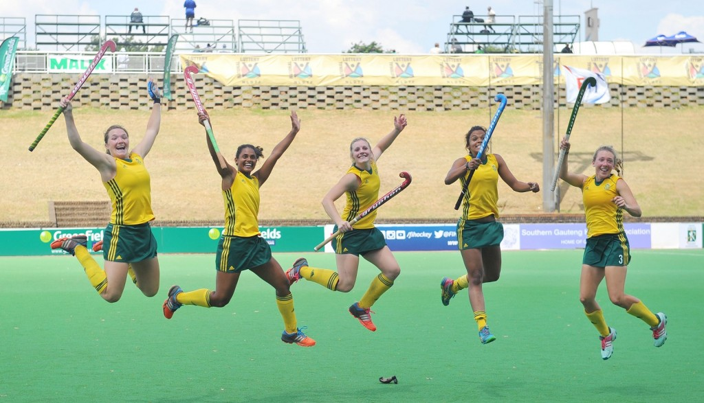 Christine Roos, lllse Davids, Bernadette Coston, Toni Marks and Celia Evans of South Africa during the 2015 Greenfields Africa Hockey Championships Women game between South Africa and Ghana at the Randburg Hockey Stadium in Johannesburg, South Africa on November 01, 2015 ©Samuel Shivambu/BackpagePix