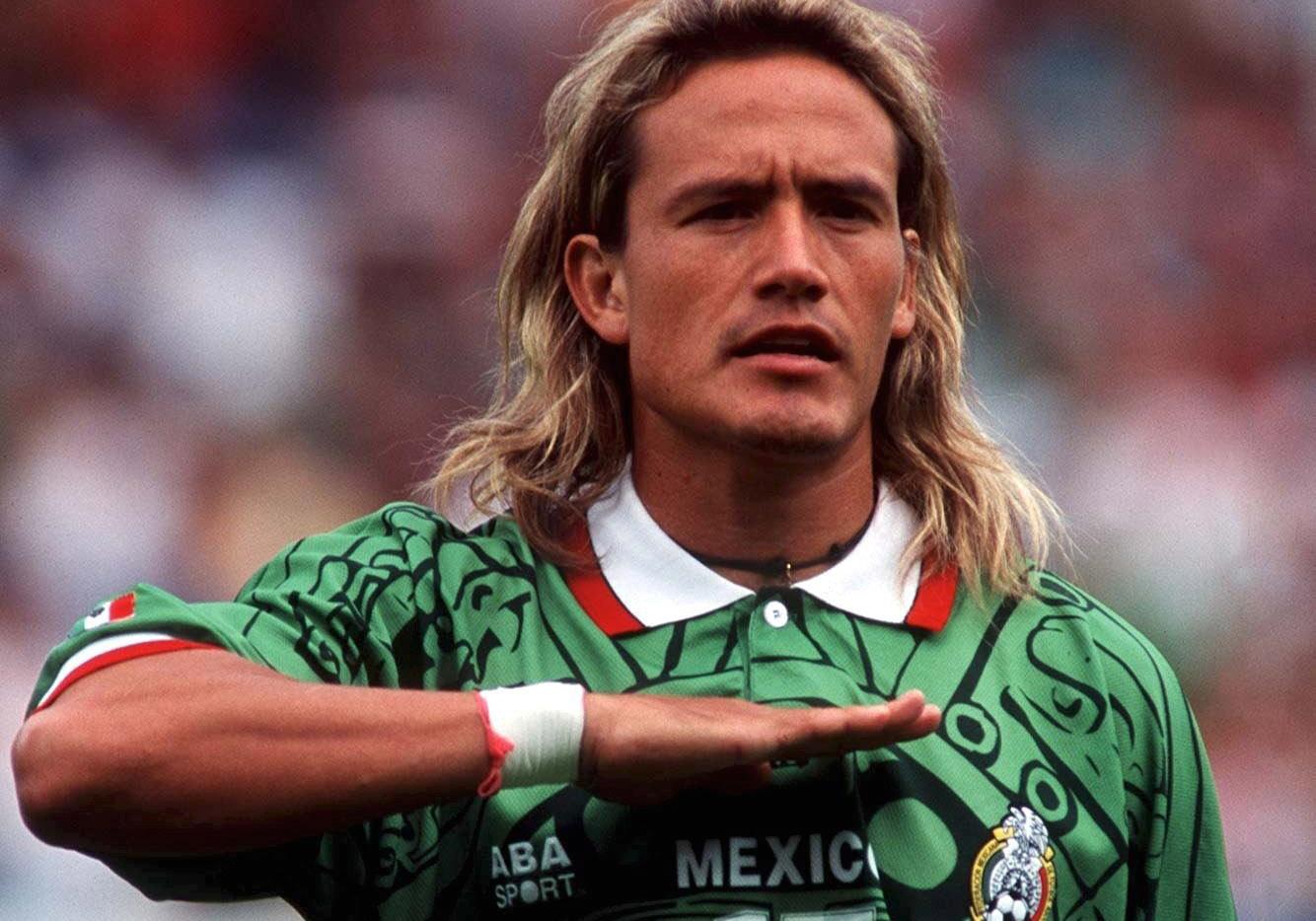 704f36081636c Artilheiro da Copa América de 1997 e algoz do Brasil na decisão da Copa  Ouro de 1996