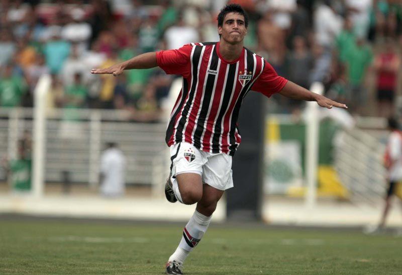 """5 destaques da Copa São Paulo que hoje estão """"desaparecidos"""" no exterior 2c5990191edf9"""