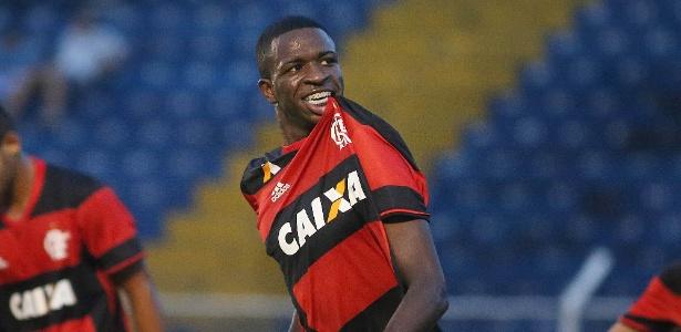 Nunca um jogador de futebol de 17 anos custou 45 milhões de euros (R  176  milhões). Isso até julho do ano passado f8cc6ec9b7dce