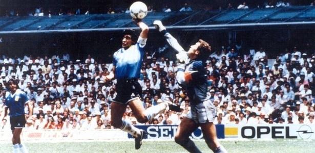 1881b7f206 Trinta e dois anos depois de sofrer um antológico gol de mão do craque  argentino nas quartas de final do Mundial-1986