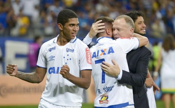 2a0091d999 Grêmio perde leveza