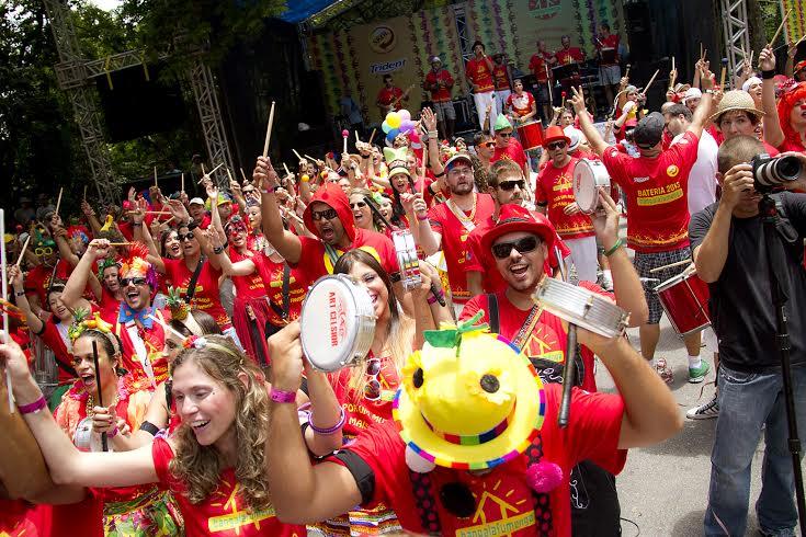 Bloco carioca estreou em 2012, na Rua Fidalga, na Vila Madalena. Foto: Dudu Fragoso/Divulgação