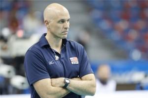 O técnico John Speraw ficou nada satisfeito com a eliminação dos EUA antes das semifinais