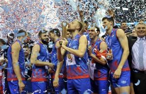 Na sexta decisão foi que os sérvios conheceram o topo do pódio da Liga Mundial
