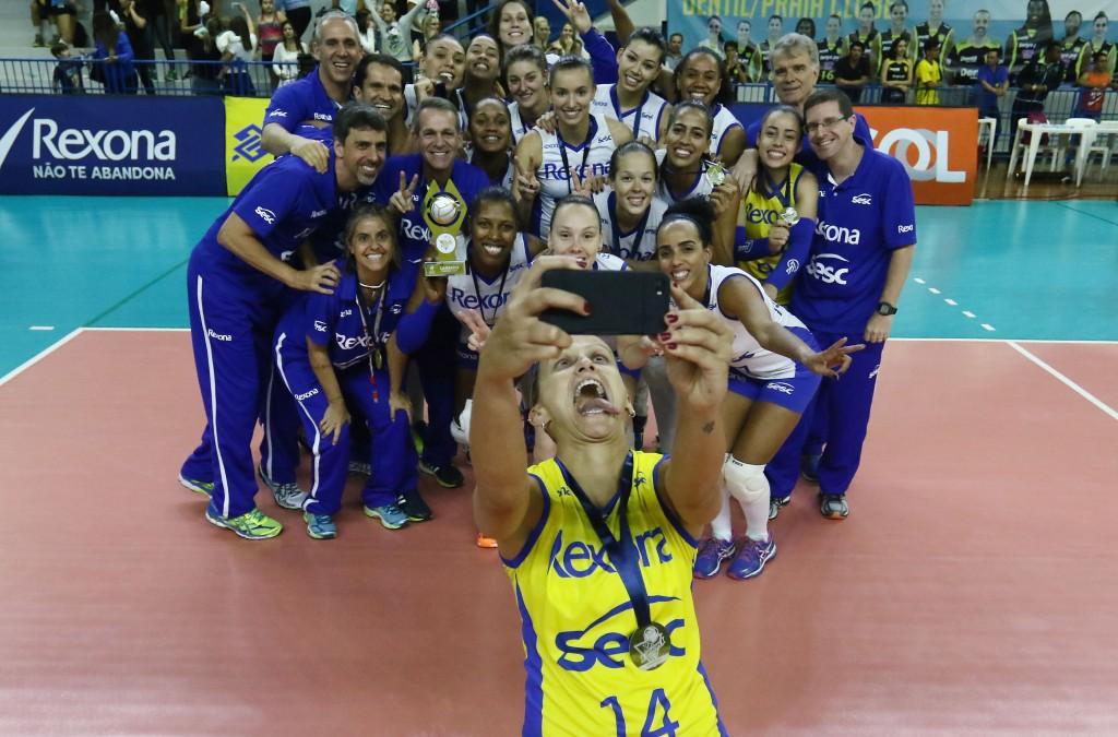 Rexona faturou a Supercopa pela terceira vez (Fotos: Divulgação/CBV)