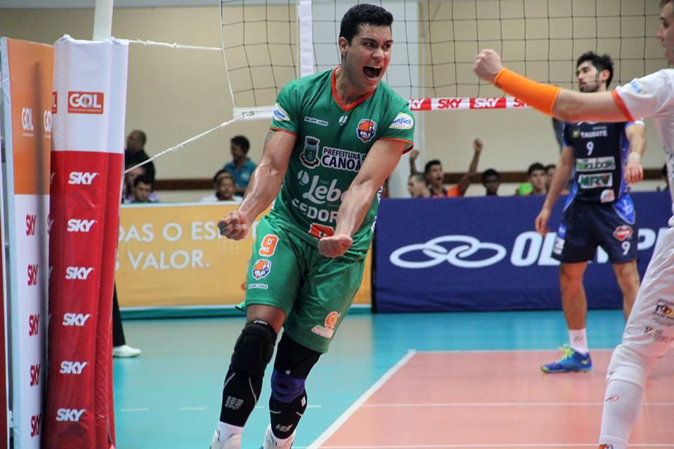 Ponteiro Gabriel quase deixou o vôlei por falta de oportunidades (Foto: Divulgação/Canoas)