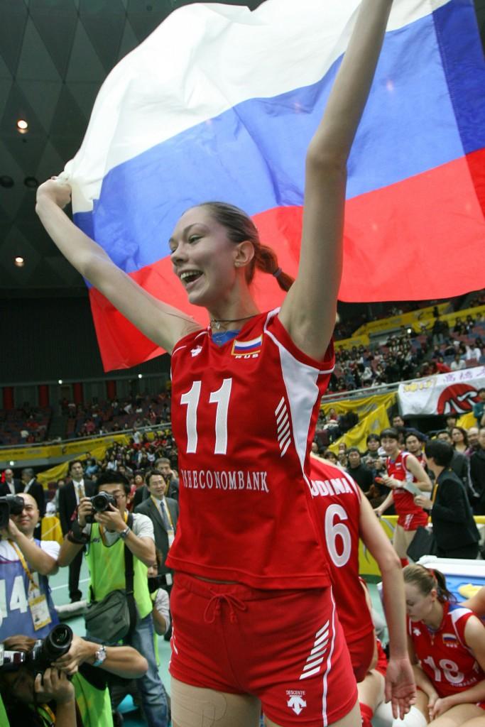 Gamova celebra, em 2006, o primeiro dos dois mundiais que venceu com a Rússia