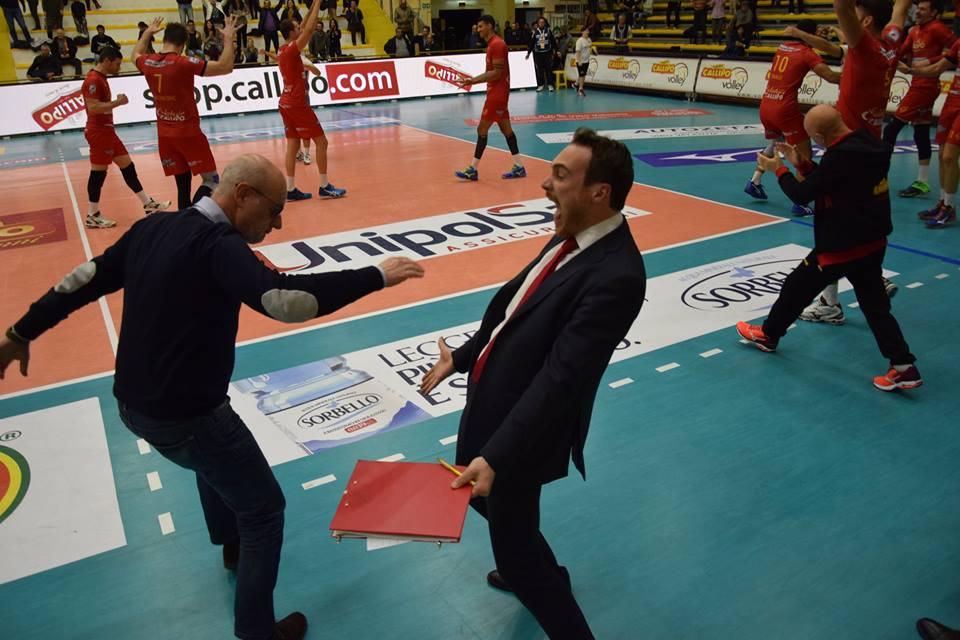 Vibo Valentia comemora vitória sobre Ravenna (Reprodução: Facebook/Vibo Valentia)