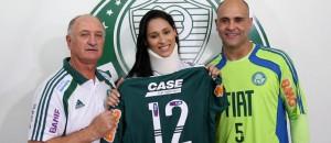 Jaqueline foi homenageada pelo Palmeiras em 2011