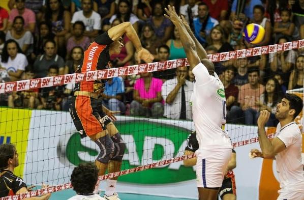 Brasil Kirin foi inconstante demais contra o Sada (Foto: Divulgação/CBV)