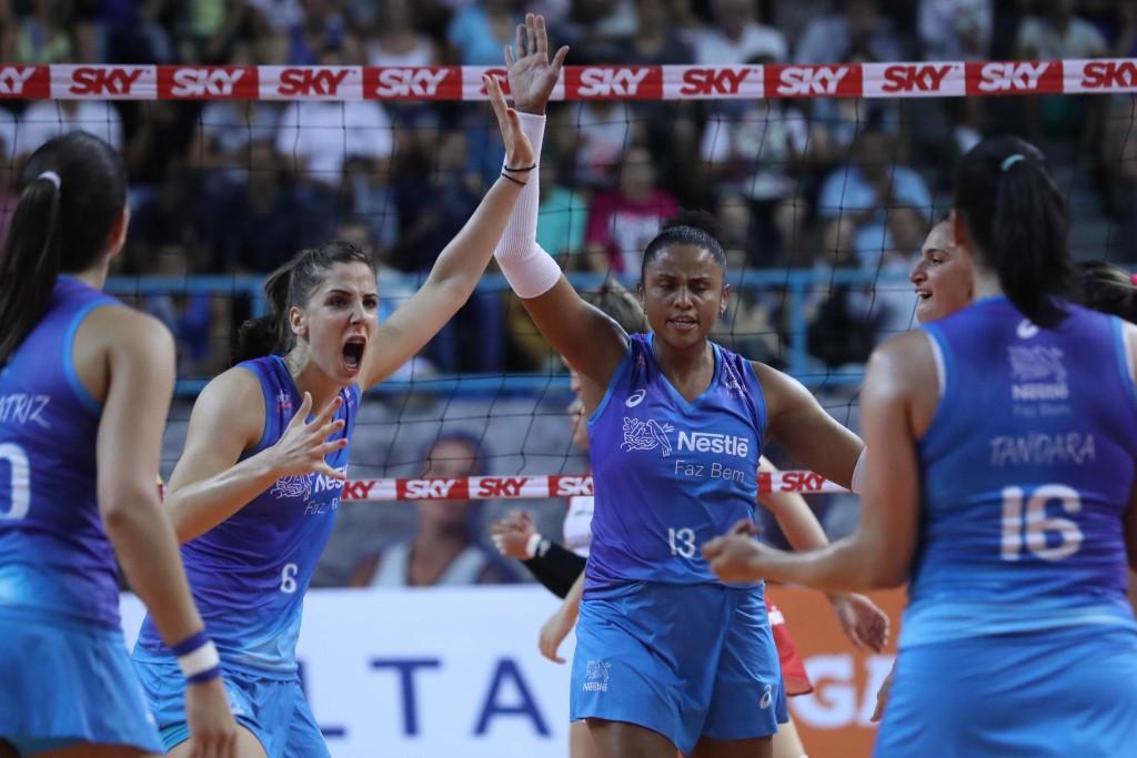 Osasco aproveitou os erros de Bauru para comemorar mais uma vitória (fotos: Luiz Pires/Fotojump)