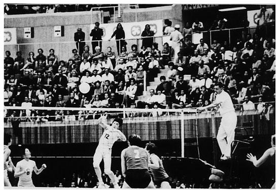 Japão e URSS se enfrentam no México, em 1968: duelo que a política impediu um ano antes (reprodução/internet)