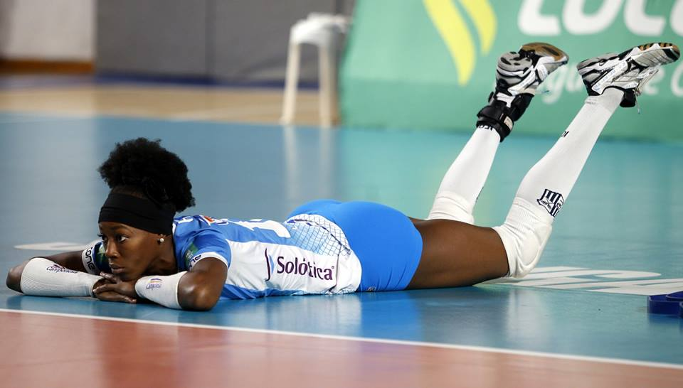 https://conteudo.imguol.com.br/blogs/161/files/2017/02/Camponesa-Minas-Destinee-Hooker-superliga-2016-17.jpg