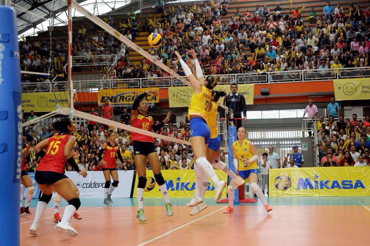 Brasil confirma favoritismo e se garante no Mundial feminino de vôlei a300769af0259