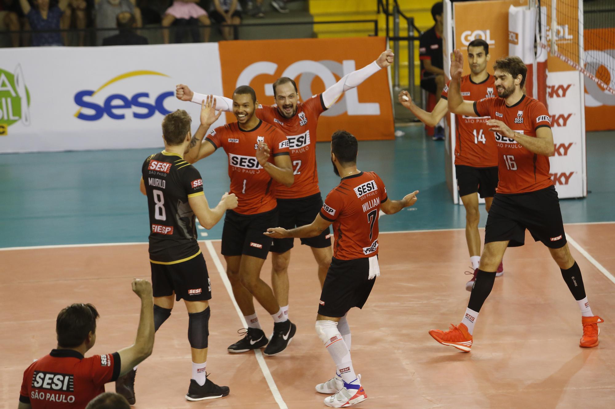 Saque desequilibra para os paulistas na semifinal da Superliga masculina 28ac51d3ce23d