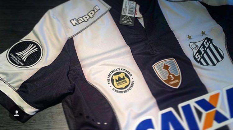 Para comemorar a primeira vitória do Santos na edição 2017 da Copa  Libertadores b1b4dfb877b03