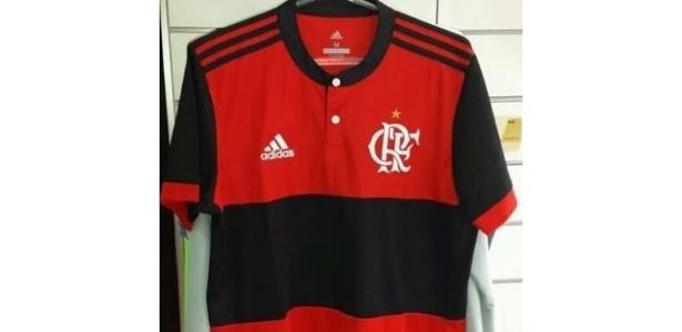 Imagens da suposta nova camisa do Flamengo vazaram em redes sociais nesta  segunda-feira (24) 03c51ef952795