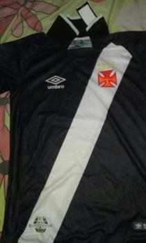 720eb406bf3f4 Vaza imagem da nova camisa do Vasco, já em pré-venda na internet ...